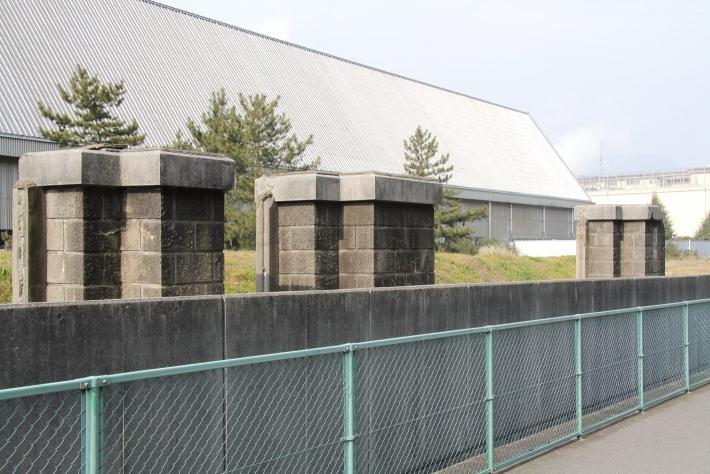 広海軍工廠 門跡(2011年2月撮影)