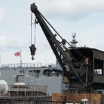あきと旧海軍の魚雷積載用クレーン